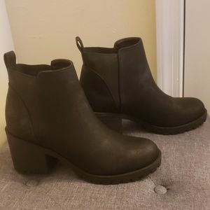 Dirty Laundry Booties 8 1/2